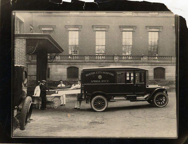 MA, Boston, Boston City Hospital (1864–1996) - Taking patient from ambulance, 1920