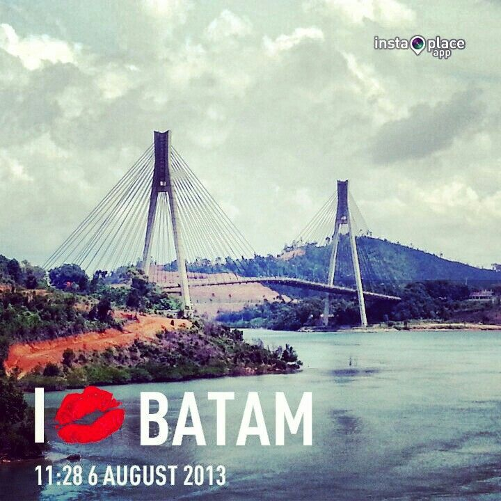 Yup. I'm Here !! Barelang !!! It's was built to make Batam Island - Rempang Island - Galang Island connected. #Bridge #Batam #Indonesia #Holiday