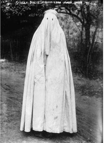 File:Street dress, Muslim woman, India.1922