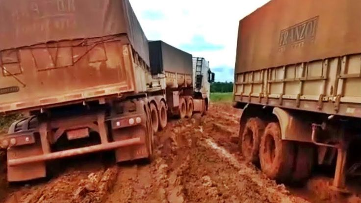 Crazy Trucks Driving on Extreme Muddy Roads - Truck Driving Crazy Road