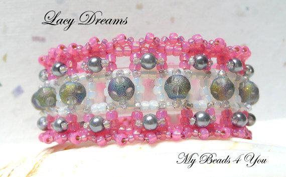 #cuff #giftforher #BeadedBracelet #SeedBeadBracelet #pinkbracelet #beadedjewelry #mybeads4you #etsy #etsyjewelry #handmade #etsyhandmade #etsyteamunity