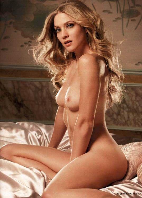 naked adult women hand job