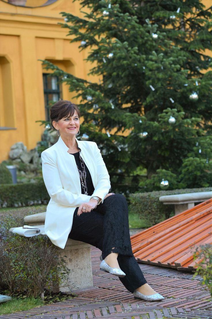 Fröhliche Weihnacht überall .... - Martina Berg - Lady 50plus