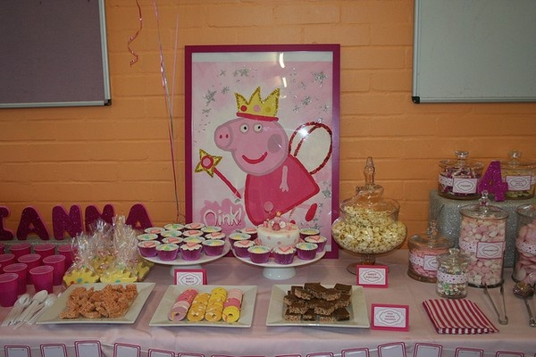 Peppa Pig Fairy Party - dessert table let-s-party