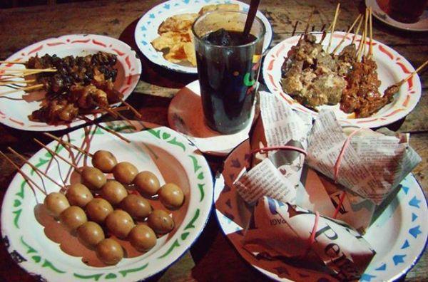 Tempat wisata kuliner di Jogja dekat stasiun tugu