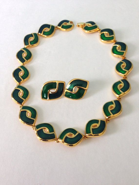 Vintage emerald necklace and earrings set