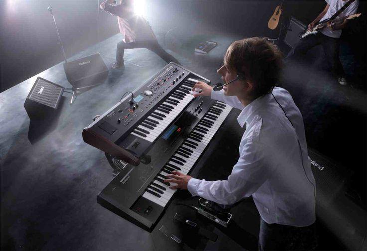 VP-770: Vocal & Ensemble Keyboard Roland VP-550 memperkenalkan kepada para musisi di seluruh dunia sebuah istilah baru di dunia musik yaitu, keyboardist vokal. Dengan teknologi bawaan terbaru, VP-770 memungkinkan musisi tunggal untuk membuat backing part yang realistis - meliputi tekstur vokal elektronik yang futuristik untuk emulasi yang luar biasa dari paduan suara gospel berskala besar dan seterusnya.