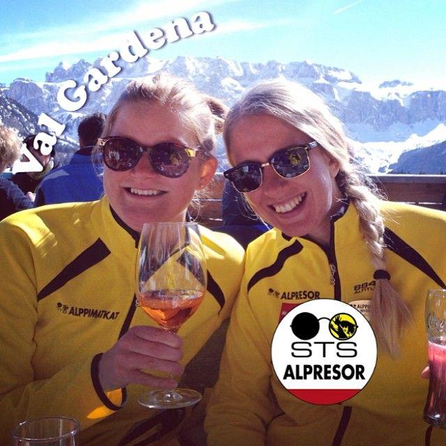 Nu tar jag över Alpstafetten. Den här veckan kommer jag Minna, min kollega Stina och Val Gardena ta över vårt Instagramkonto. Ställ gärna frågor under veckans gång. Häng med! #alpstafetten #valgardena #stsalpresor #skists