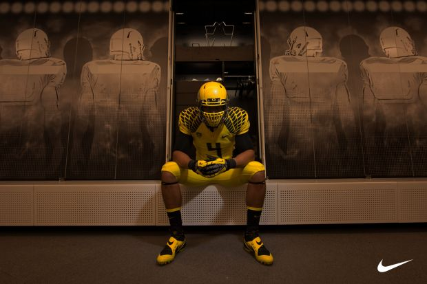 2013 Oregon Ducks Lightning Uniforms