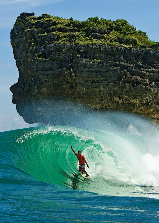 #LL #Surfing The perfect tube...