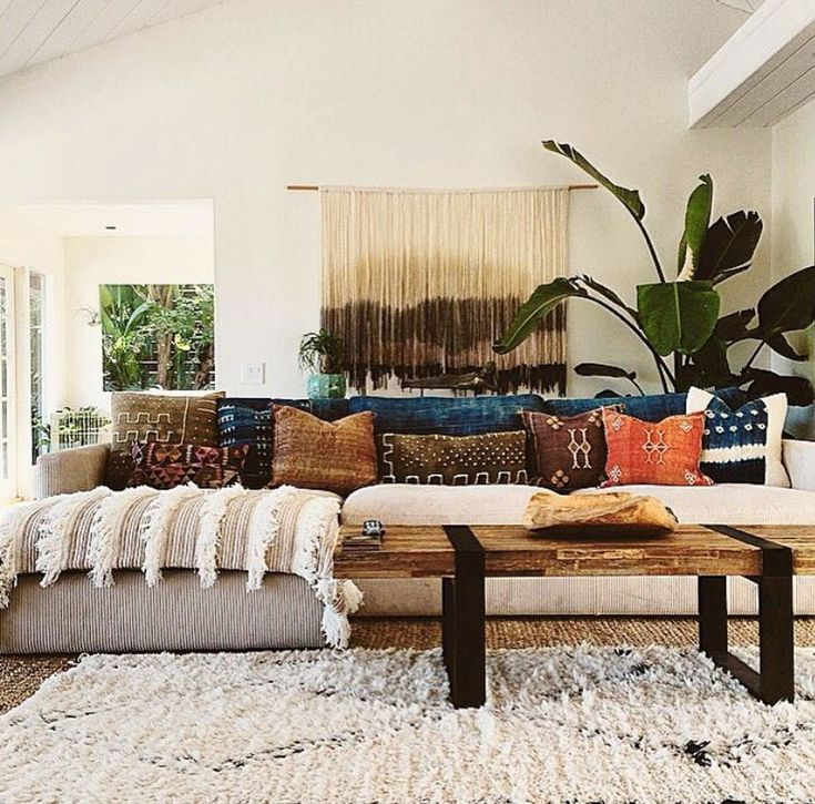 Awesome 88 Cute and Colorful Pillow Design Ideas for Your Living Room. More at http://88homedecor.com/2017/10/24/88-cute-colorful-pillow-design-ideas-living-room/