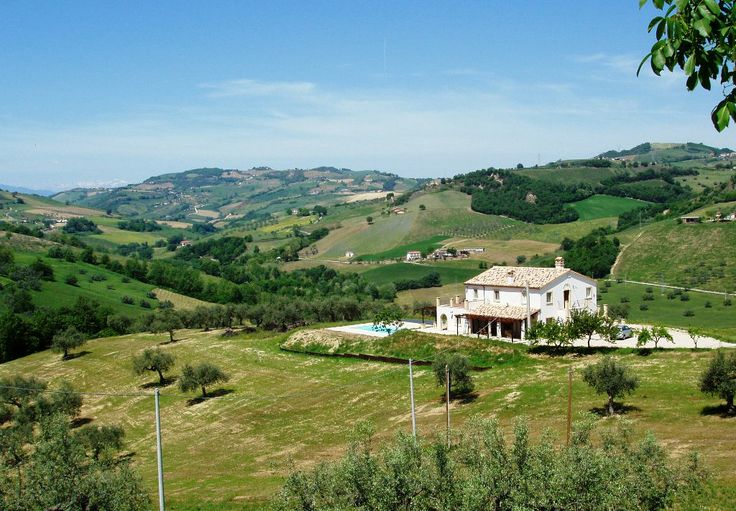 Property for sale in Abruzzo Penne Abruzzo Italy - Country House > http://www.italianhousesforsale.com/property-italy-penne-abruzzo-1753.html