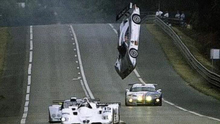 Quand la Mercedes CLR décolla sur le circuit du Mans ! - Cultea
