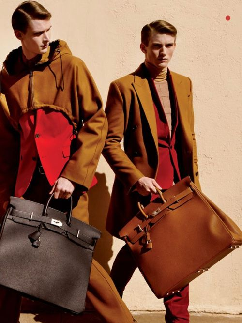 As a quick google image search reveals, the sophisticated, masculine elegance of a man carrying a birkin can, like any good thing, easily d...