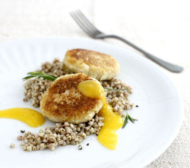 Květákové karbanátky s mangovou omáčkou , Foto: Vaření pro vegany