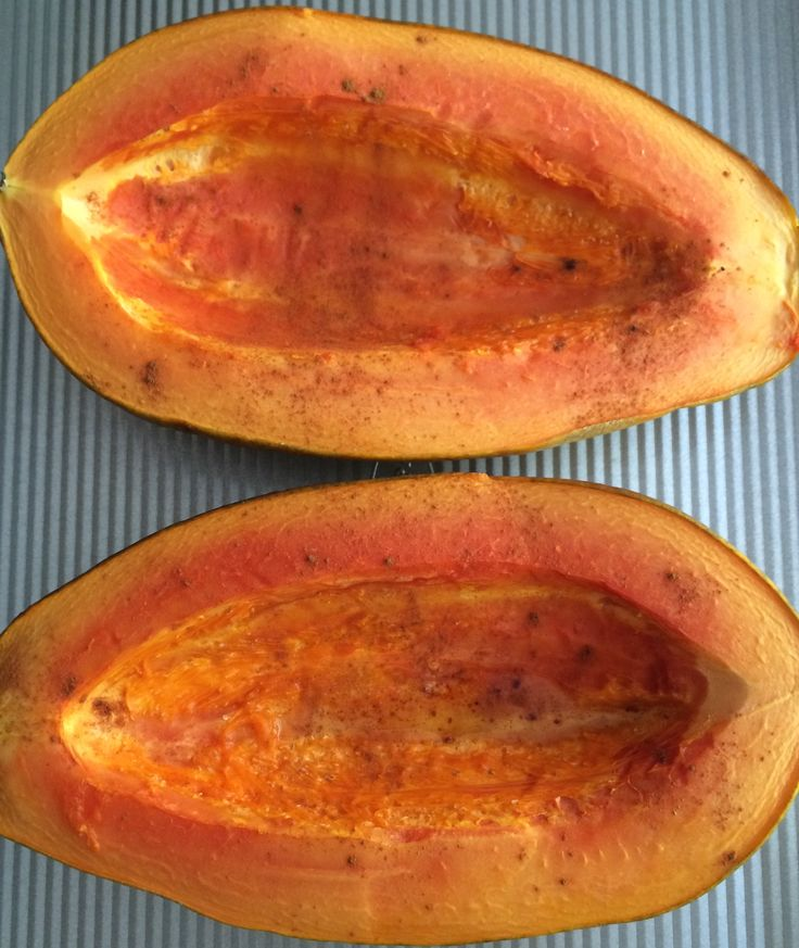 Roasted Maple Papaya What you need: 1 large papaya 2 tsp cinnamon Maple syrup for topping  What to do: Cut papaya in half lengthwise.  Spoon out seeds. Sprinkle with cinnamon. Bake at 350 degrees for about 15-20 minutes. Allow to cool slightly and top with maple syrup.
