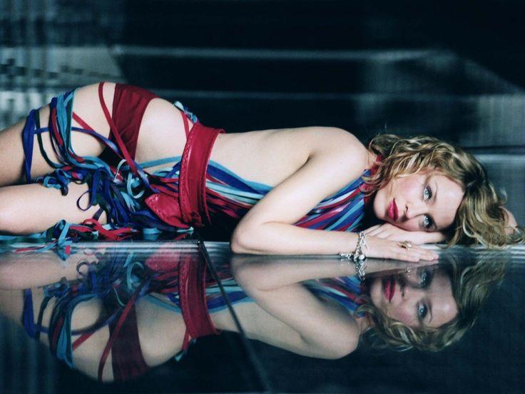 Kylie Minogue - Imagenes para fondo de pantalla: http://wallpapic.es/celebridades/kylie-minogue/wallpaper-2522