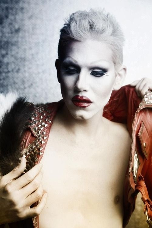 Expressionismo - Sharon Needles (Performer)