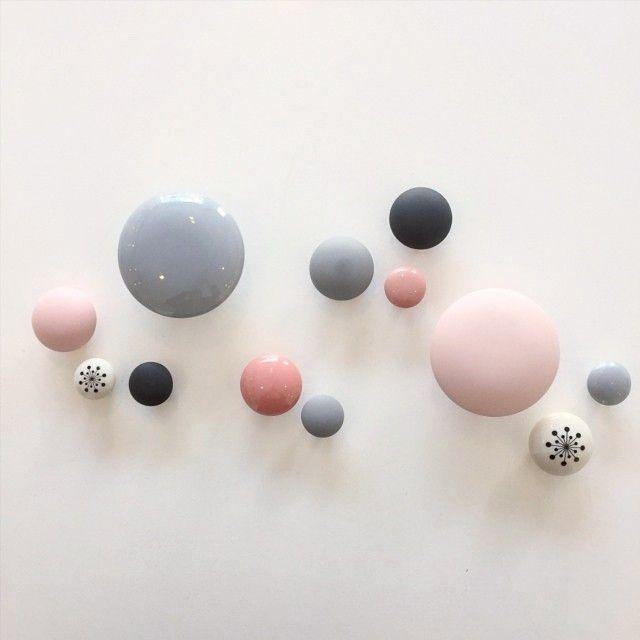 Smukke knager fra Anne Black - Ønsker mig grå og hvide nuancer. Nogle steder kan man også få en dusty grøn, den er også virkeligt flot!