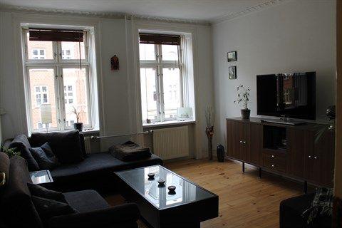 Folkvarsvej 17, 2. tv., 2000 Frederiksberg - Skøn 2 værelses lejlighed med sydvendt altan #solgt #selvsalg #selvsalgdk #dukangodtselv #tilsalg