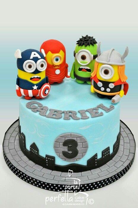 Minions Avengers cake