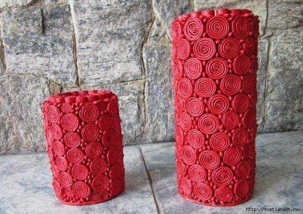 Вазы сделаны из картонных труб, листов журнала и фасоли!
