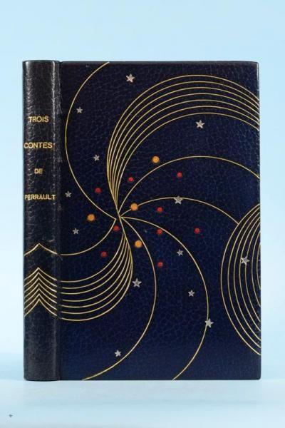 PERRAULT (Charles). Trois contes de Perrault. La Belle au bois dormant - La Barbe bleue - Cendrillon. Paris, Porson, 1948-1950.  BINDING: Durand