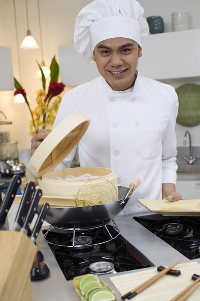 How to Cook Steamed Rice with a Bamboo Basket