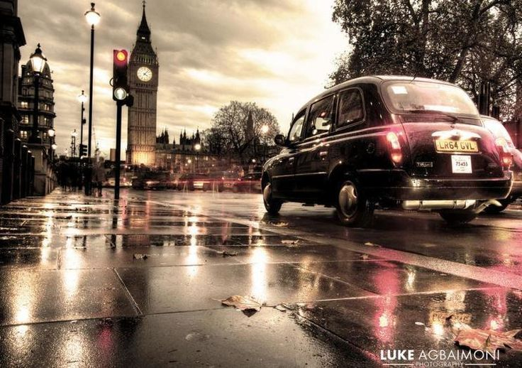 We are a fully licensed taxi company that provides professional cab hire services. www.001royalcabs.co.uk