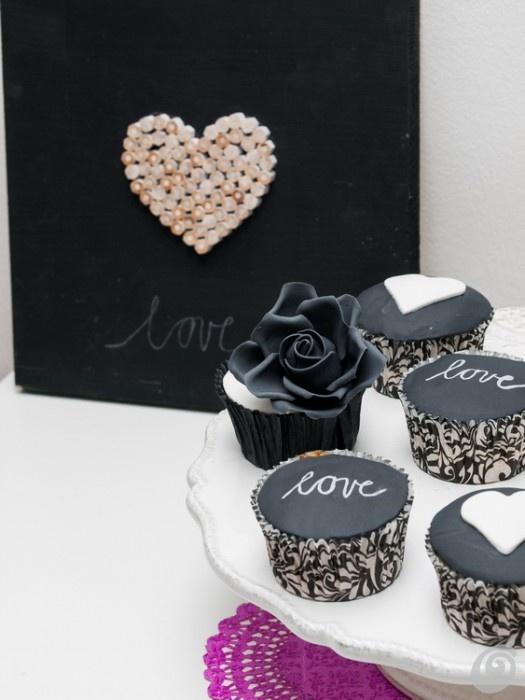 Idee fai da te :: Dolci per San Valentino, i muffin eleganti in bianco e nero