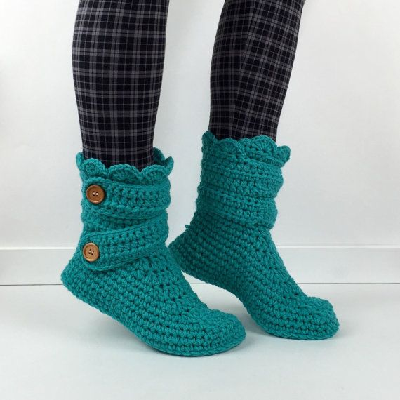 Nexts thing to buy off etsy! They are sooo warm looking. Cant wait to be paid!  :at https://www.etsy.com/listing/186662597/womens-crochet-teal-slipper-boots