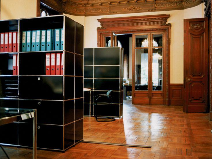 USM Haller in de bibliotheek. Voor meer informatie: www.poq-design.nl