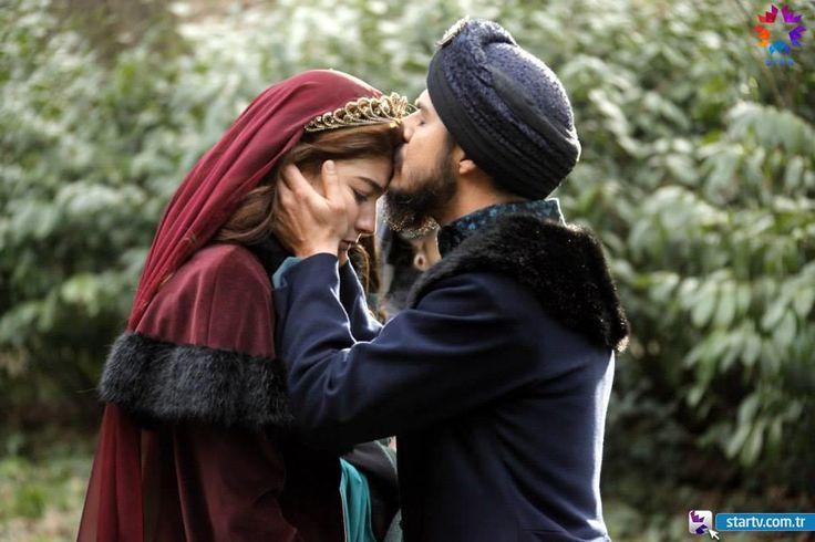 Şehzade Mustafa (Mehmet Günsür), Nergisşah Sultan (Alize Gördüm) - Muhteşem Yüzyıl - 123. Bölüm Fotoğrafları