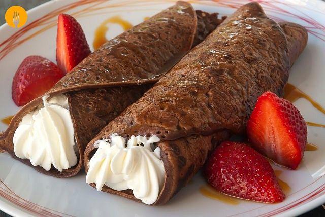 Crepes de chocolate El crepe es una elaboración de origen francés que se prepara a partir de una masa líquida compuesta, principalmente, por huevos, harina
