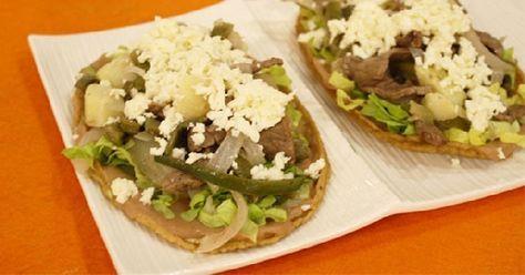 mexican- Huarache de bistec y nopales