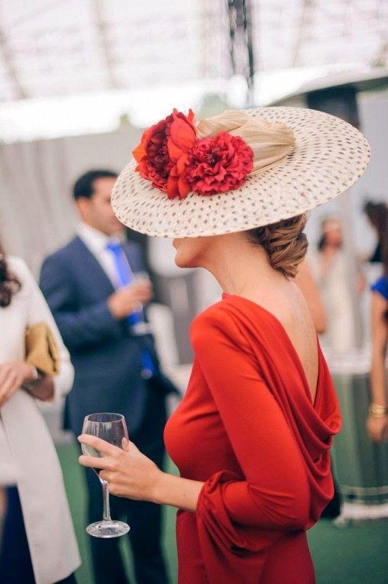 One Look-elblogdeanasuero-invitadas perfectas de día-vestido rojo y plato con flores confesionesdeunaboda