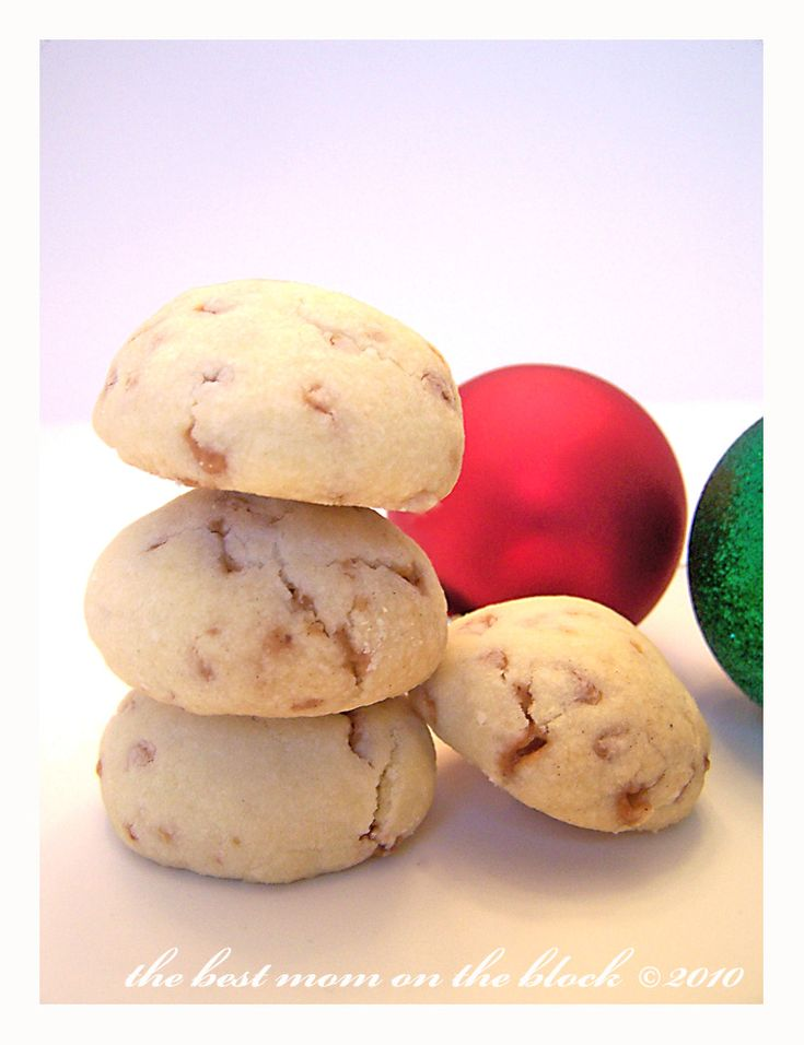 """Skor Toffee Shortbread Meltaways. """"They are incredibly delicate, soft cookies with a hint of toffee flavour. I have a hard time eating only 1 or 2 of these at a time!"""" (See also: http://asophisticatedmommy.blogspot.ca/2010/12/skor-shortbread-cookies.html)"""