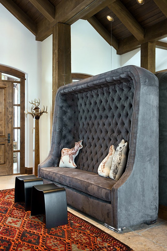 Seriously high-back tufted sofa; Gallatin Gateway, Montana: Hetherington Interiors, Tufted Seats, Cushing Benches, Breakfast Nooks, Seats Screens, Tufted Furniture, Interiors Design, Photo, Houses Numbers
