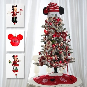 disney christmas tree OMG!! @Karyn Gardner even though we have the Minnie and Mickey Star, I think we might need to get one of these made!
