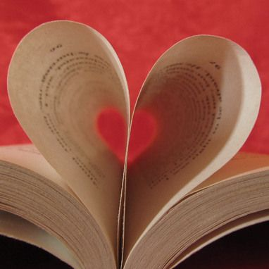 Book Lover | Valentine's Day Card | @FairMail - Fair Trade Cards | Pages made into a heart