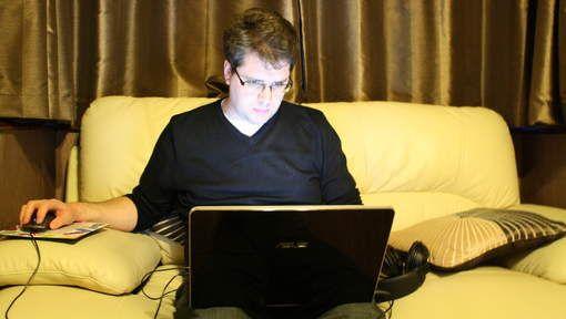 De werkloze Brit vorm zijn eigen eenmansinlichtingendienst achter zijn laptop. Hij zit de daders van de aanslag op MH17 op de hielen. Deze man heeft zijn eigen zoektocht gestart en heeft out of the box gedacht. Dit inspireert mij omdat het artikel wederom laat zien dat op het internet de meest gekke dingen mogelijk zijn.