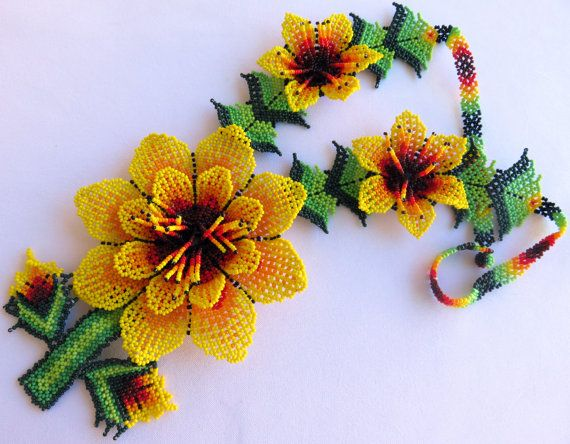 Mexican Huichol 3 Beaded Yellow and dark Red Flowers por Aramara