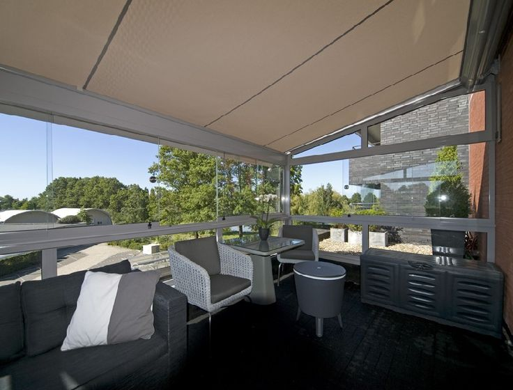 Een aluminium veranda op maat laten maken is werk voor professionals. Serre Bouw Brabant helpt u graag om uw droom veranda te ontwerpen, maken én plaatsen!