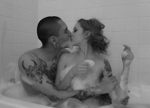 dickgirl-hentai-couples-in-a-bath-tub-nake-naked-brothers-band