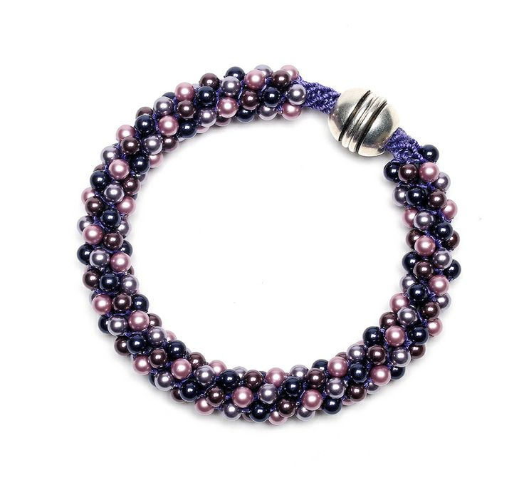Make a beaded Kumihimo bangle by Monica Han in the March 2014 issue of Bead Style! These pearls come together for a radiant orchid vibe. beadstylemag.com