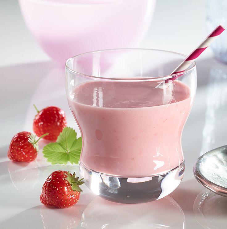Schneller Erdbeer-Milchshake Ein erfrischendes Getränk mit Milch und Früchten