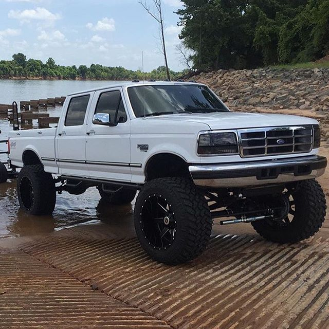 Best 25+ Lifted Ford Trucks Ideas On Pinterest