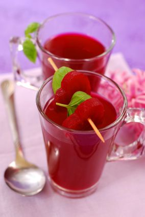 drinking 500 ml (17 oz) of beetroot juice a day lowers blood pressure