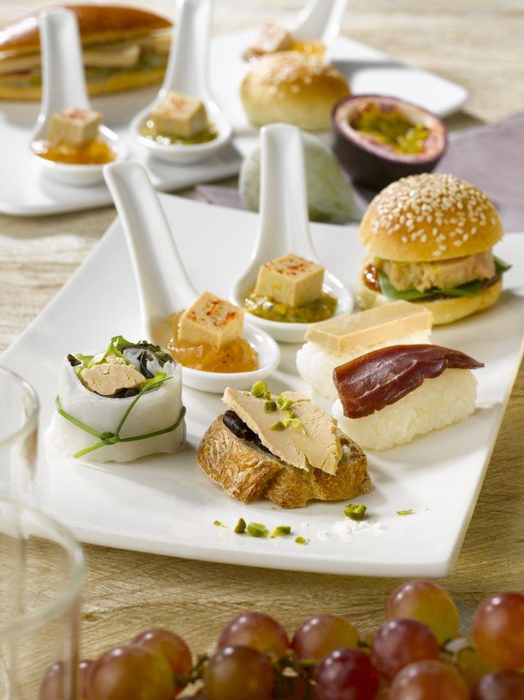 Demain c'est le 14 juillet, une journée pour profiter de sa famille ou de ses amis et préparer un bon petit repas en attendant d'admirer le feu d'artifice.   D'ailleurs, savez-vous déjà ce que vous allez préparer à vos invités ? Non ? Alors voici 5 idées de petites recettes toutes simples à réaliser avec du Foie Gras et du Magret. Vos convives vont se régaler !