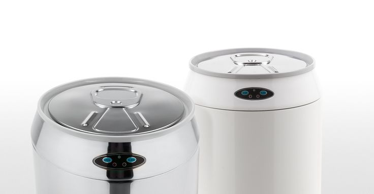 This touch-free sensor bin in a stainless steel is hygienic and practical.